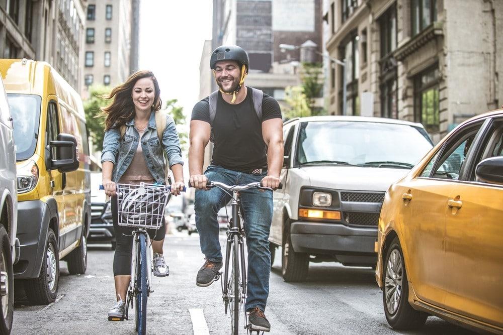 """Bicicleta de apartament - un """"bibelou"""" care slăbește - mymamaluvs.com"""